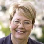 University of Virginia Extends Contract of President Teresa Sullivan